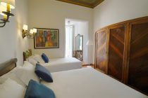 Triple Room with Terrace in the hotel medium romàntic