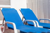 Deckchairs at the Room Terrace - hotel medium romàntic